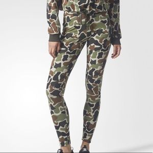 NWT Adidas Women Originals Camo Tights